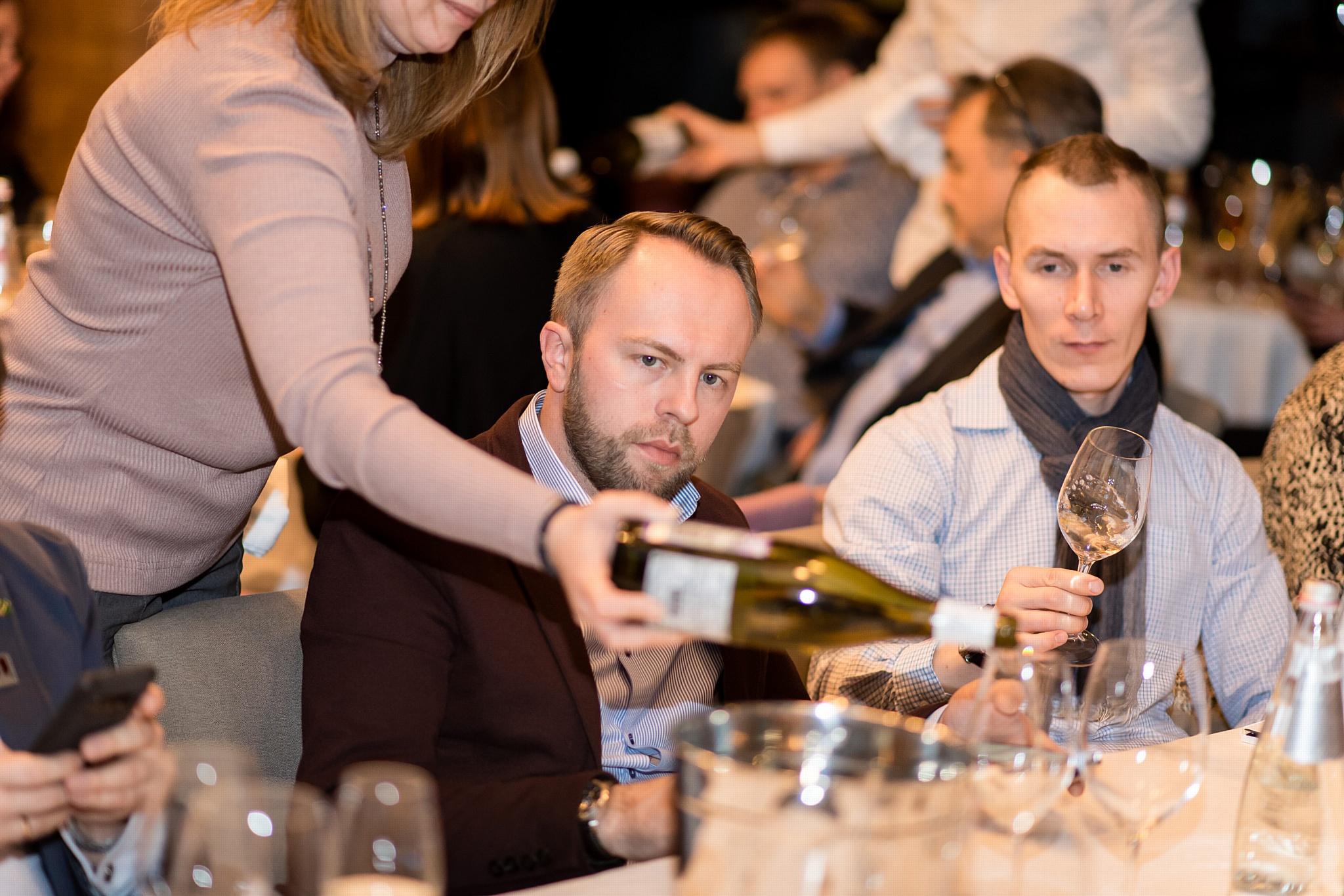 Магистр вина Франк Смулдерс представил ассортимент винной полки сети магазинов «Да!»