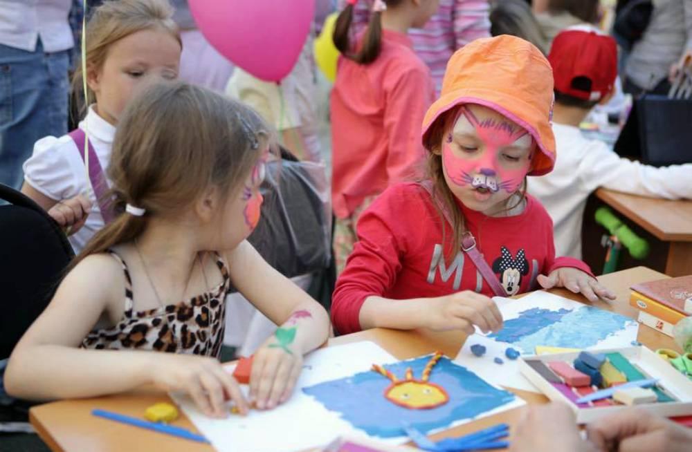 Родителей с детьми приглашаются на новогодний праздник в ДК Созидатель