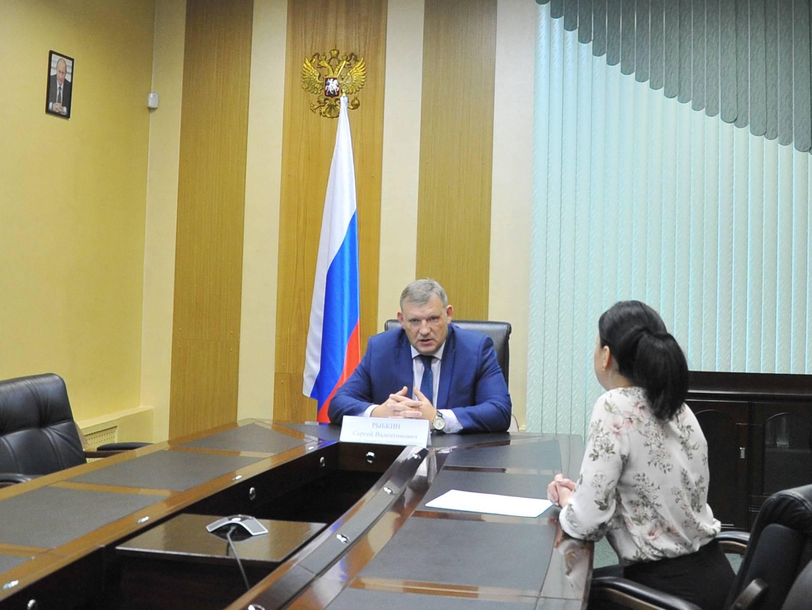 Начальник Приволжского таможенного управления ответил на вопросы граждан