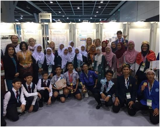 Представители делегации Международного инновационного клуба «Архимед» с изобретателями из Индонезии, Малайзии, Таиланда.
