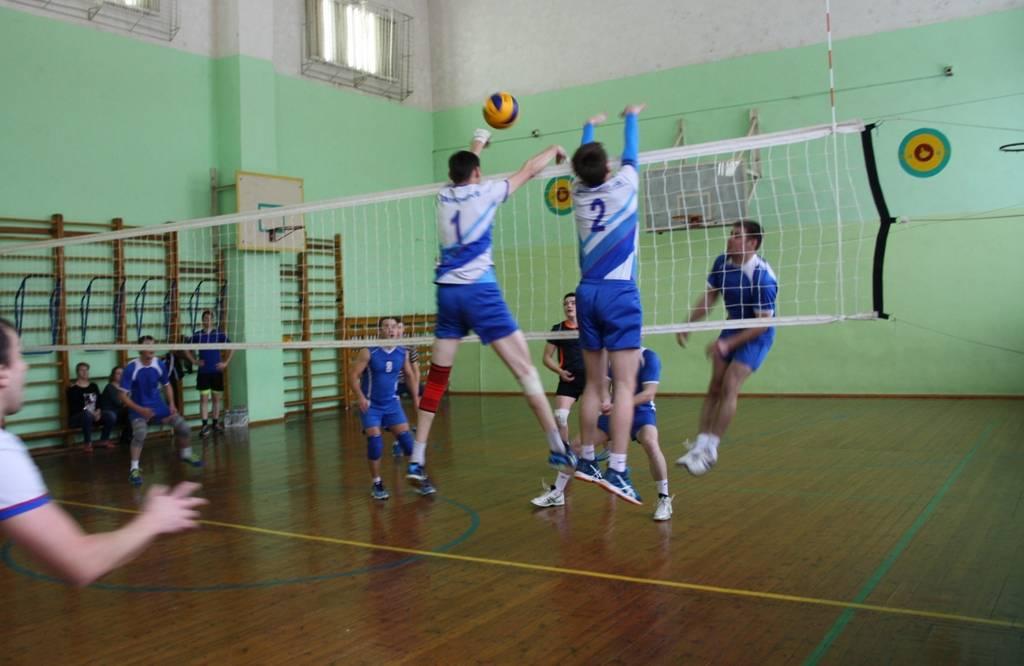 В Удмуртэнерго прошел турнир по волейболу на кубок электропрофсоюза