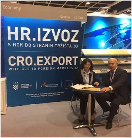 Председатель Международного инновационного клуба «Архимед» Дмитрий Иванович Зезюлин с президентом общества изобретателей Хорватии Лилианой Педишич.