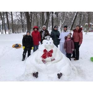 Активисты ОНФ провели «Баттл снеговиков» в Кремлевском саду Вологды