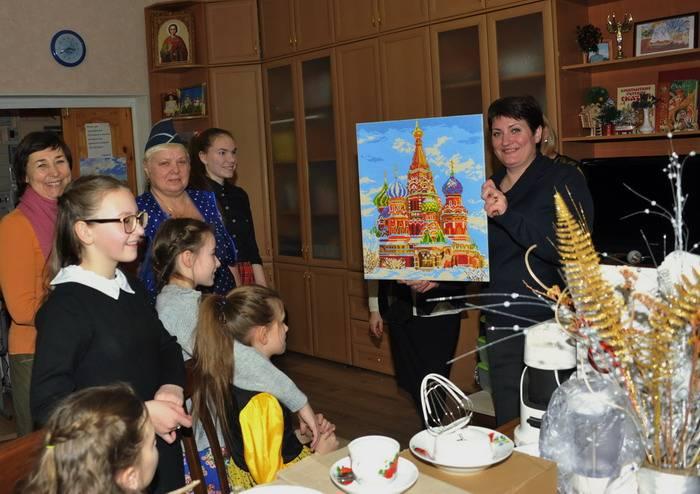 Смоленские таможенники посетили Православный детский дом