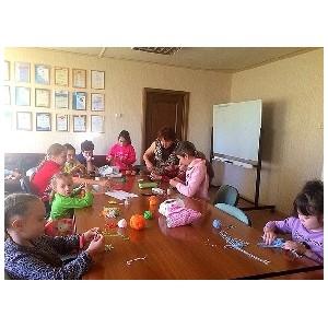 Тюменские общественники провели новогодние мастер-классы для детей