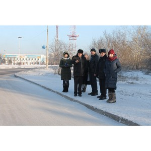 Активисты Народного фронта в Туве проверяют качество уборки снега в Кызыле