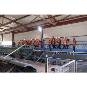 Активисты ОНФ в Коми организовали экскурсию школьников на лесопильное производство