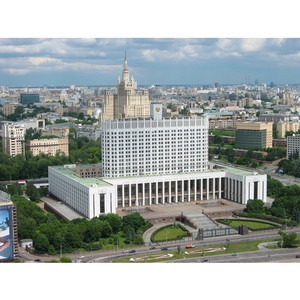 Д.Медведев: В стране появились конкурентоспособные производства тканей, кожи, спецодежды