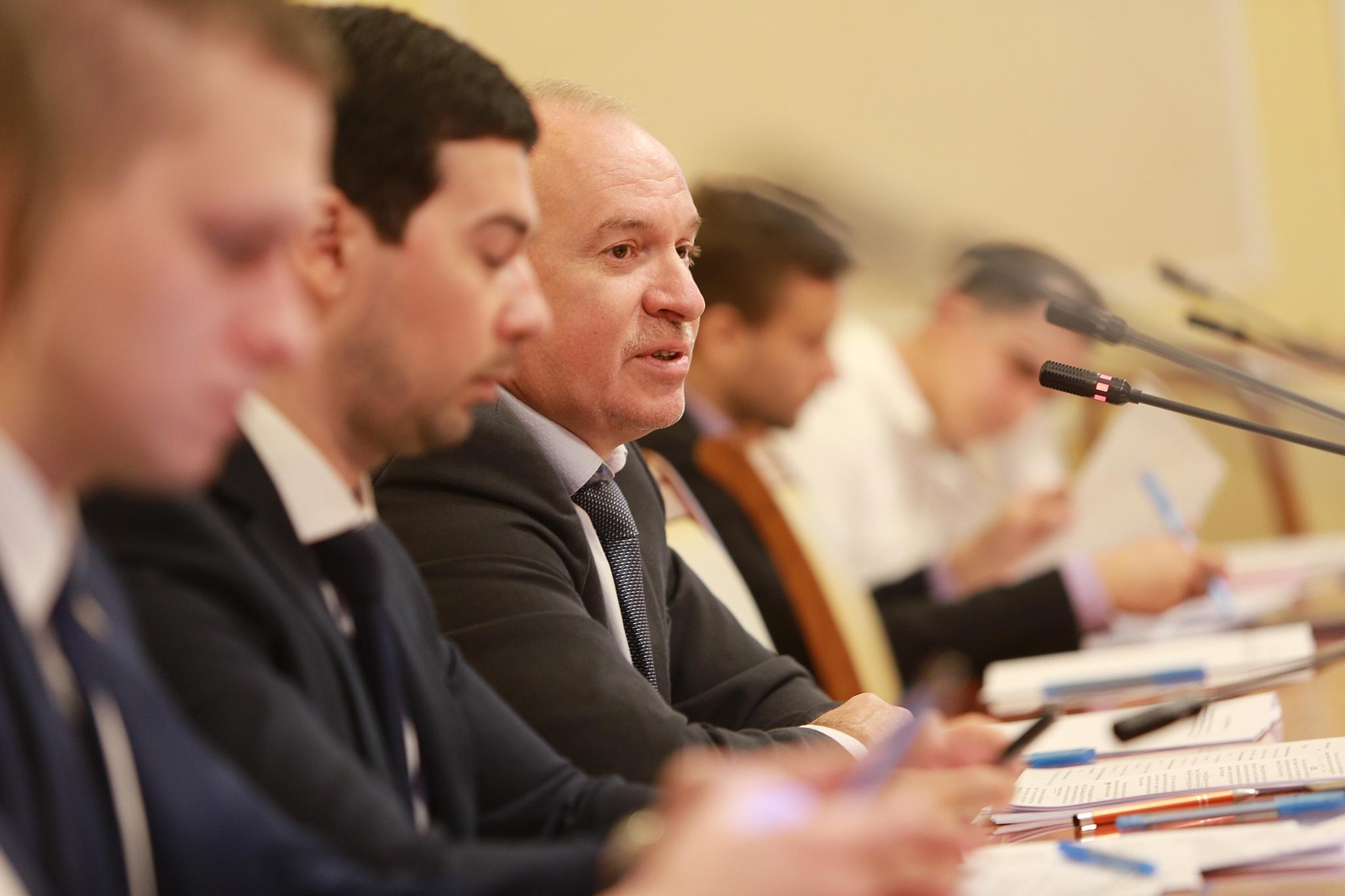 Juul Labs выступила за запрет на продажу ЭСДН несовершеннолетним в России
