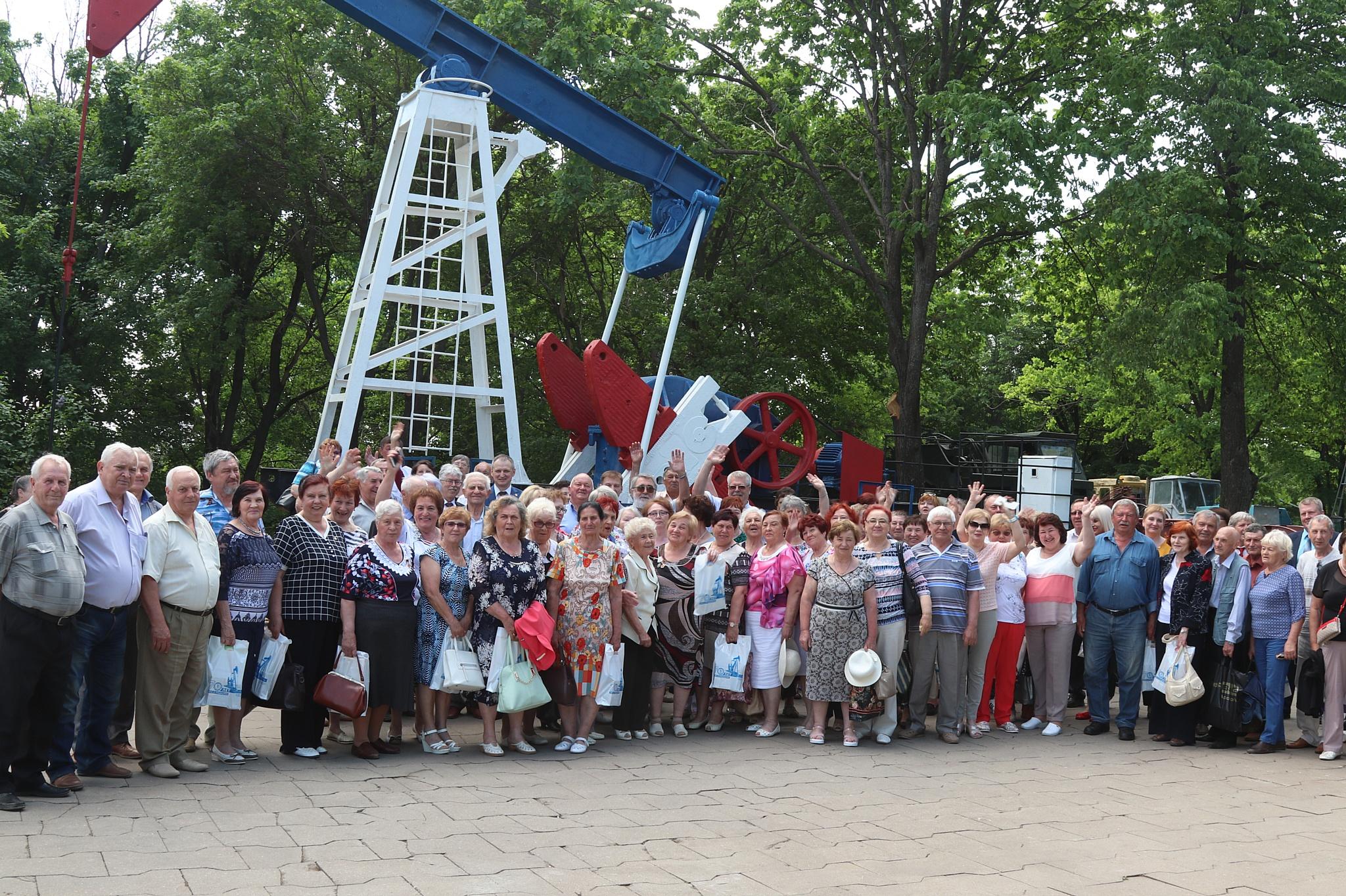 В Парке Победы Саратова открыли станок-качалку