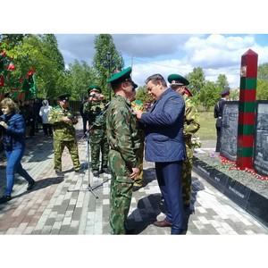 В Шумихе установили памятник пограничникам