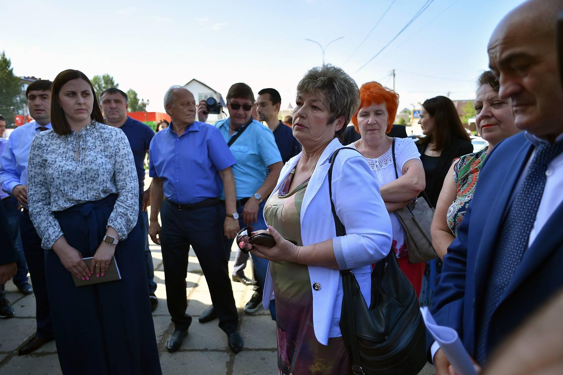 Мурат Кумпилов оценил благоустройство общественных территорий в Тахтамукайском районе