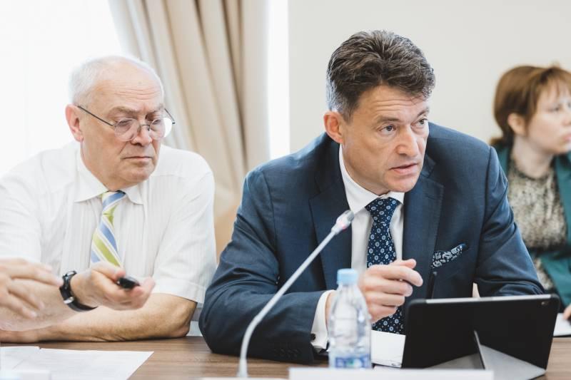 Эксперты ОНФ обсудили влияние борьбы с онкологическими заболеваниями на увеличение продолжительности жизни