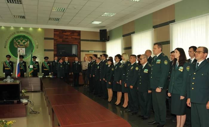 В Смоленской таможне прошли торжественные мероприятия в честь Дня России