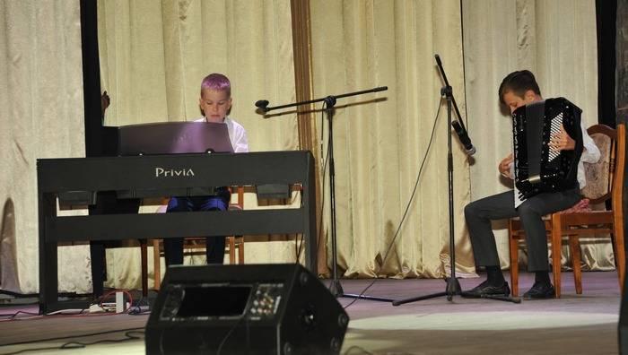 Смоленские таможенники демонстрировали свои таланты на сцене