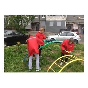Ко Дню защиты детей команда «Молодежки ОНФ» в Карелии обновила одну из детских площадок