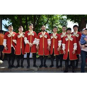 В Чебоксарах в День России прошёл «Парад дружбы народов»