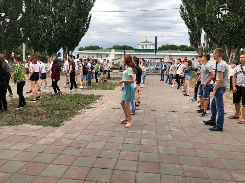 В ритме со всей страной: «Молодежка ОНФ» провела всероссийский танцевальный флешмоб