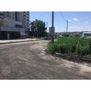 После вмешательства ОНФ со двора в Краснооктябрьском районе Волгограда вывезли старый асфальт