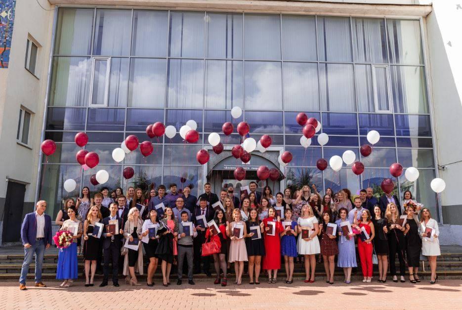 В Дзержинском филиале РАНХиГС состоялась церемония вручения дипломов о высшем образовании