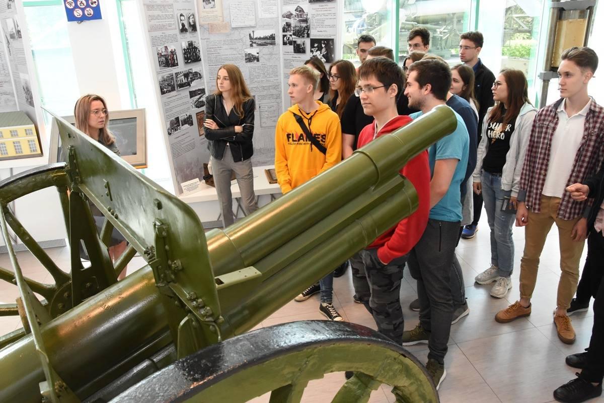 Машиностроительный завод имени М.И. Калинина проведет серию экскурсий для студентов УрФУ
