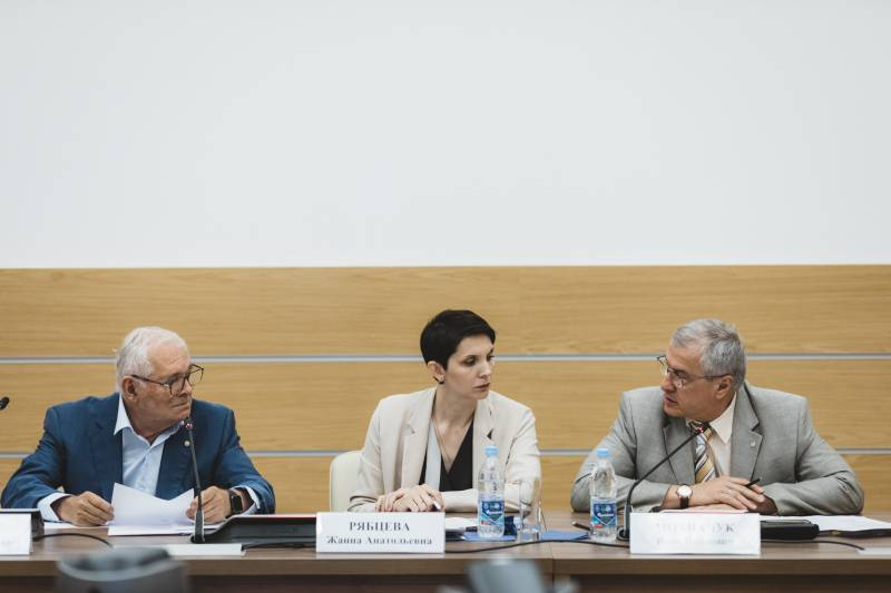 Эксперты ОНФ обсудили меры по противодействию незаконному обороту онкологических препаратов