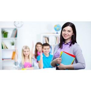 Духанина: Разрешение студентам педвузов преподавать поможет привлечь молодежь в школу