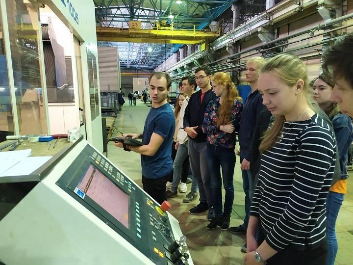 Первая учебная практика для студентов УрФУ в Региональном центре лазерных технологий