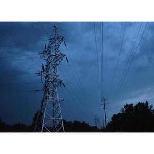 Нижновэнерго: находиться вблизи энергооборудования во время грозы опасно!