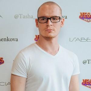 Писатель Артур Дрейк посетил усадьбу Кусково в Москве