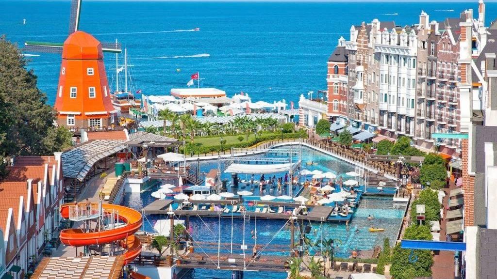 Российские туристы жалуются на отдых в Турции