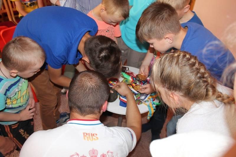 Дети из соцприюта встретились с мордовским спортсменом