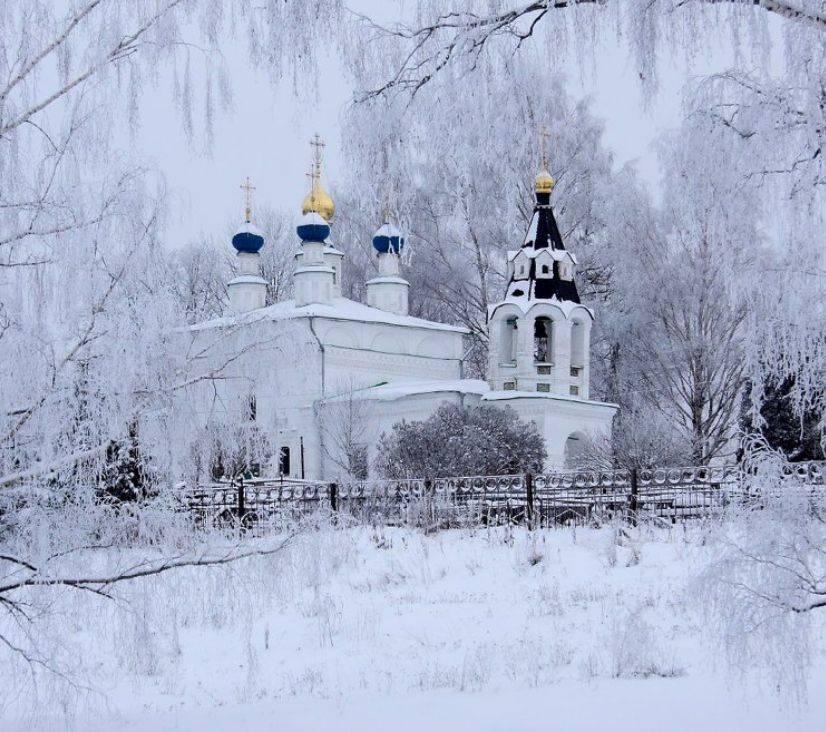 Церковь Рождества Богородицы зимой