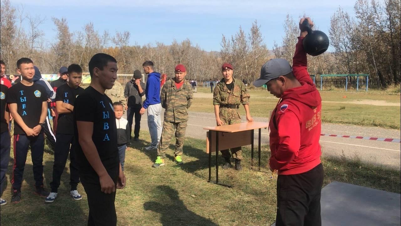 Росгвардия Тувы приняла участие в детском военно-патриотическом слете