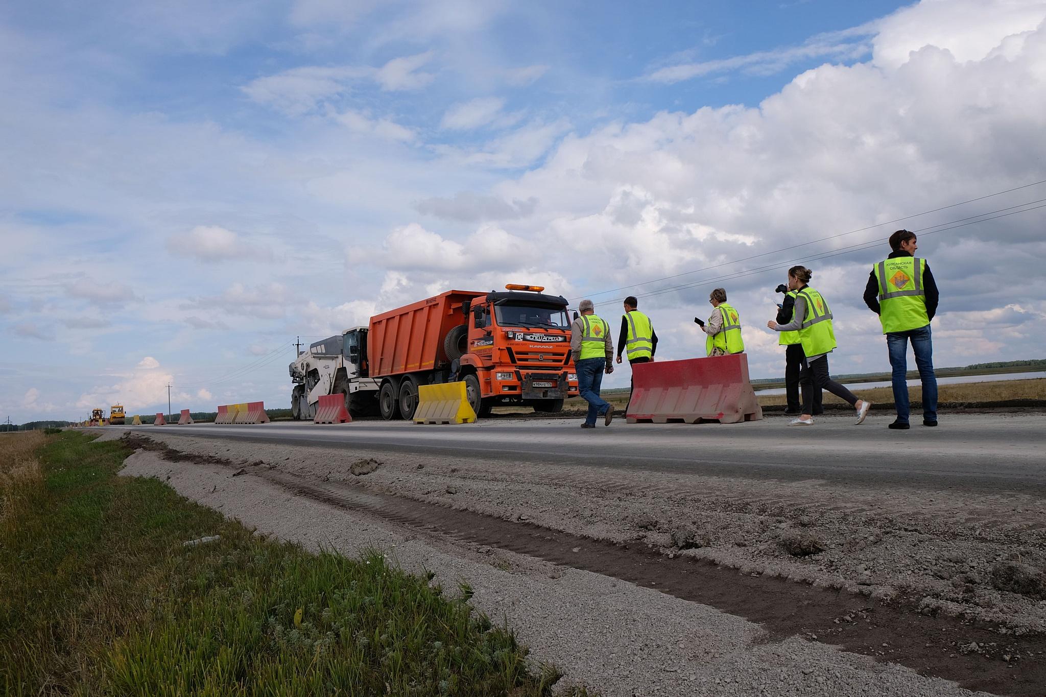 В рамках нацпроекта разбитые дороги Зауралья отремонтируют до холодов