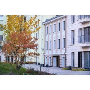 Осень в английском саду комплекса особняков «Полянка/44»