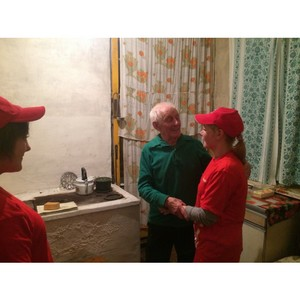 Команда «Молодежки ОНФ» в Коми провела субботник в доме труженика тыла