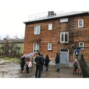 Эксперты ОНФ попросили власти завершить капремонт дома в Карелии