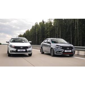 Carcade передала партнеру Яндекс.Такси 50 седанов Lada Vesta