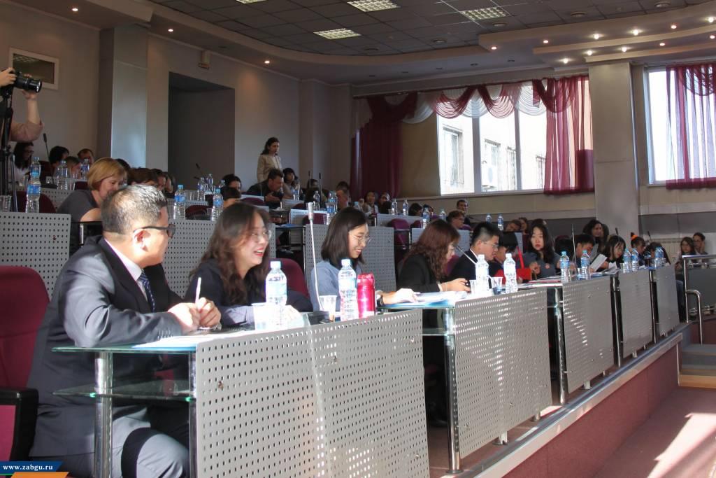 Создание научного центра обсудили на российско-китайском симпозиуме