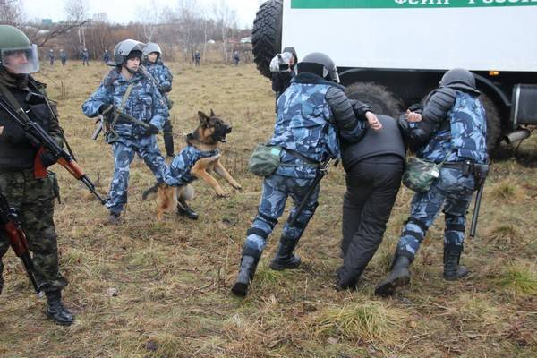 В Кузбассе сотрудники ГУФСИН ловили сбежавших преступников