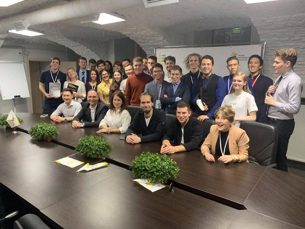 Студенты Петербурга научились решать конфликты на турнире Manage up