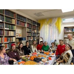 «Молодежка ОНФ» поздравила пенсионеров Приамурья