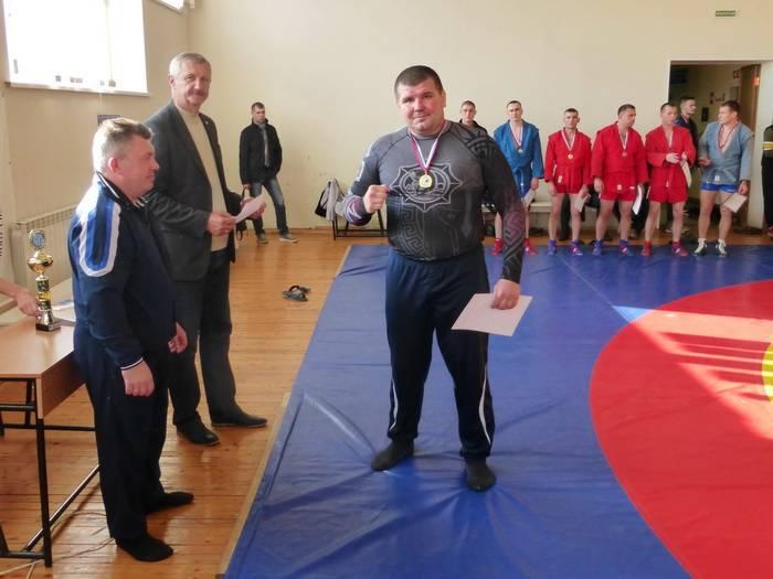 Смоленский таможенник победитель регионального первенства по самбо