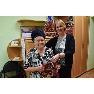 Сотрудники Мариэнерго поздравили ветеранов с Днем пожилых людей