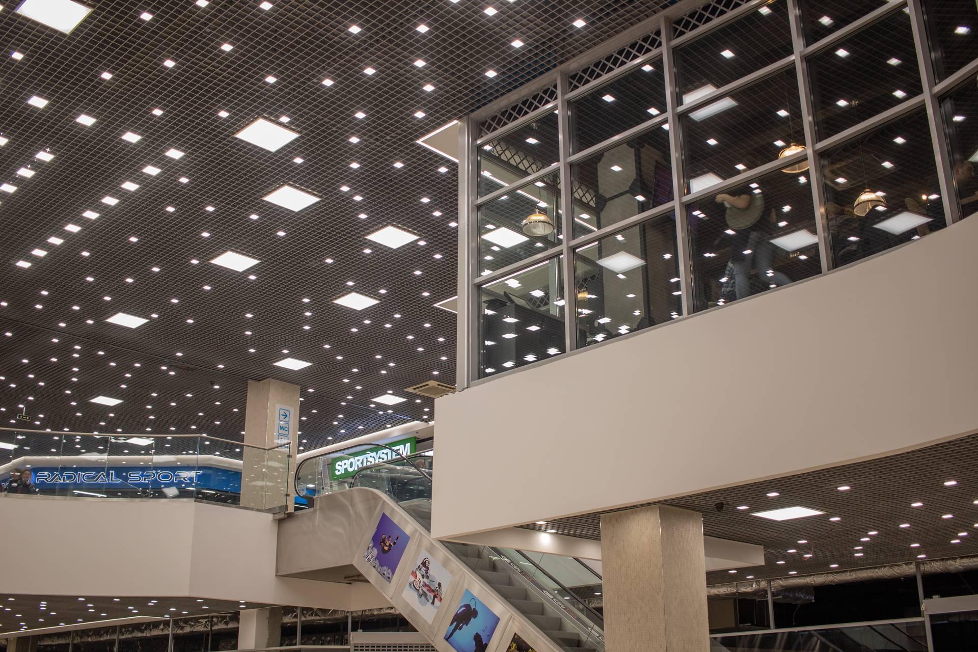 Освещение ТЦ «Меркурий» в Санкт-Петербурге