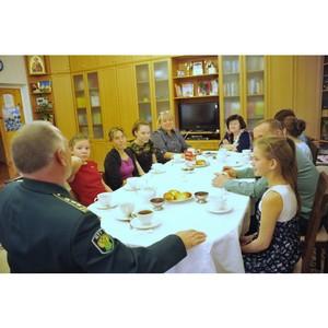 Смоленские таможенники посетили подшефный детский дом