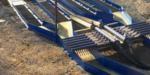 Кавитатор, задача которого - торможение потока пульпы встречными струями воды для лучшего доразмыва пород и максимального извлечения труднообогатимого золота.