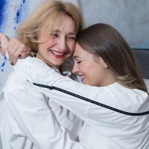 Благотворительный фотодень ко Дню матери в Омске