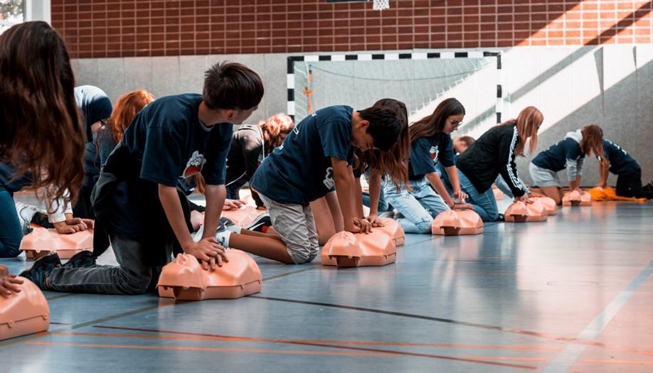 Школьников научат спасать жизнь